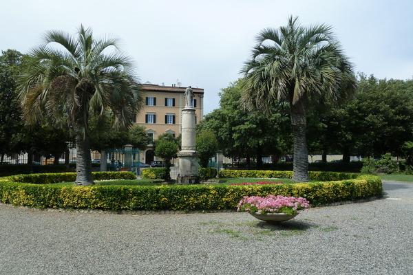Massaggi Livorno, per il tuo relax a Livorno un massaggiatore per donne esperto potrà portarti a trovare il benessere a Livorno e provincia. I massaggi tantrici, emozionali, percorsi tantra a Livorno ti ridanno la conoscenza del tuo essere donna.